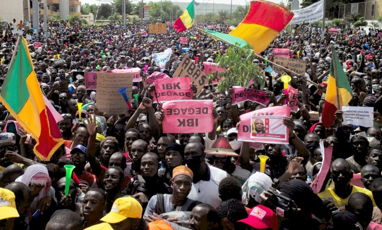 ECOWAS Calls for Elections Re-Run in Mali As Protesters Demand President To Resign